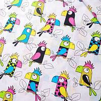 Хлопковая ткань с попугаями на белом фоне №84
