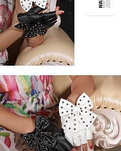 Перчатки без пальцев с бантом в трех цветах - черные, белые, красные