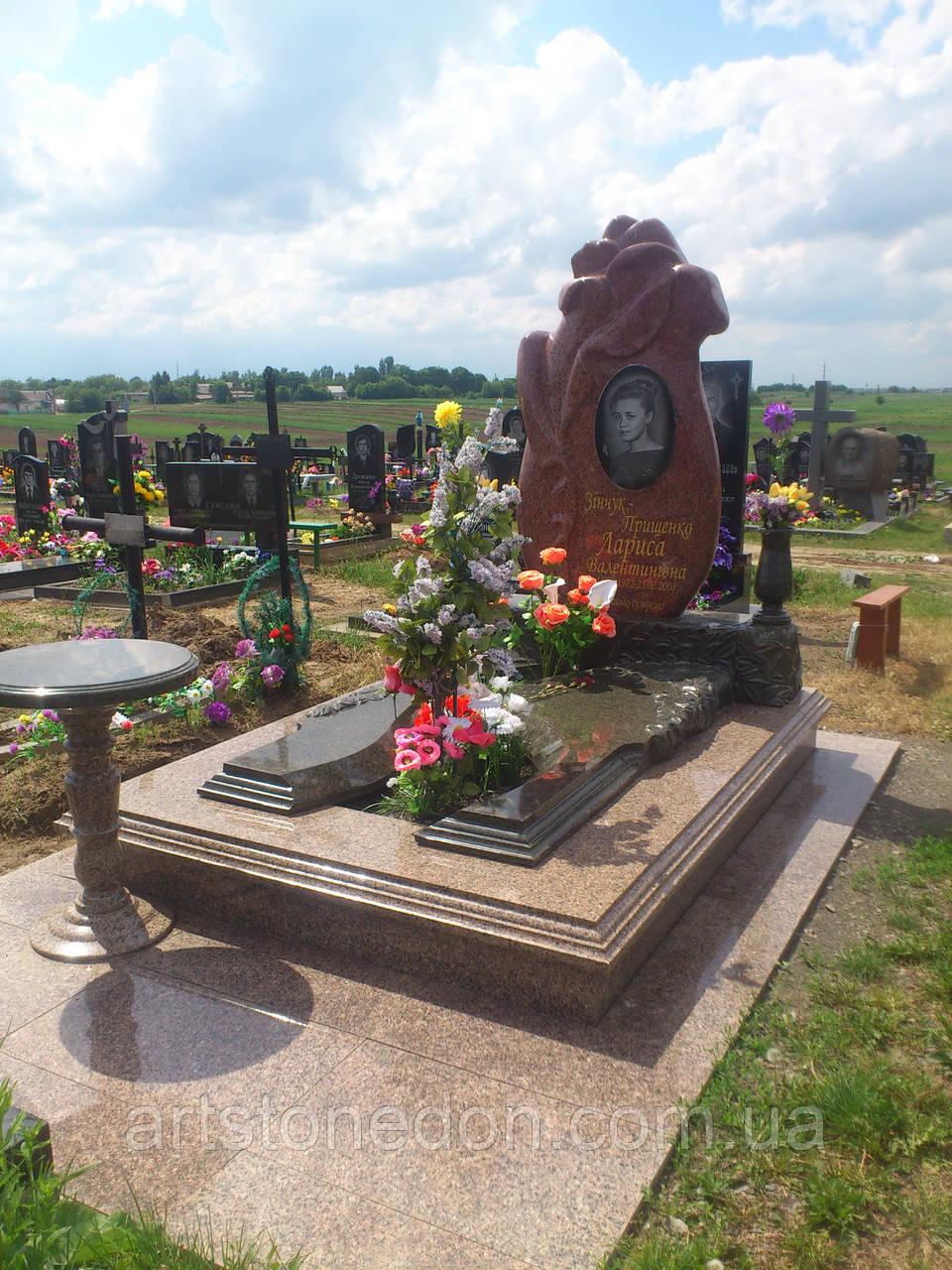 Элитные памятники из гранита фото красного надписи на памятники надгробные короткие православные
