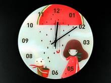 Оригинальные часы в детскую Девочка и зайчик