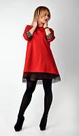 Яркое нарядное женское платье с кружевом