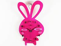Оригинальные настенные часы в детскую для девочки Зайчик