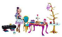 Кукла Мэделин Хэттер с набором мебели для Чайной вечеринки,Madeline Hatter Ever After
