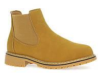 Модные замшевые ботинки женские