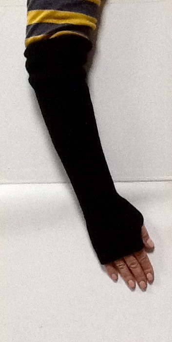 Перчатки женские ComStil без пальцев высокие черные трикотажные