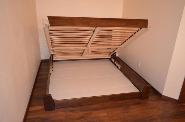 Просторная ниша для белья, под спальным местом