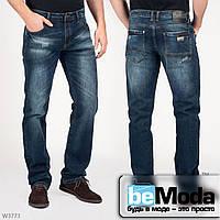 Модные мужские джинсы Mardoc прямого кроя с легким эффектом потертостей и эмблемой на кармане сзади синие