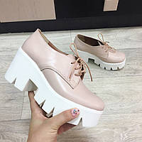 Ботинки бежевые на шнуровке