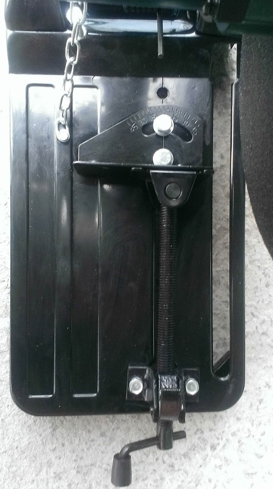 Стол с зажимом отрезной пилы по металлу Eurotec CM 102