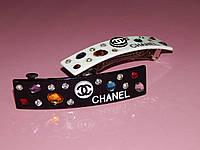 Заколка-автомат CHANEL,  узкая c камнями, 2 цвета
