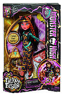 Кукла Roll over image to zoom in Monster High Freaky Fusion Cleolei