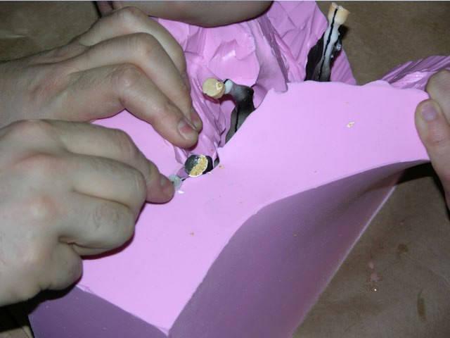 Ориентируемся на линии разметки на теле и на дне в качестве направлений надреза
