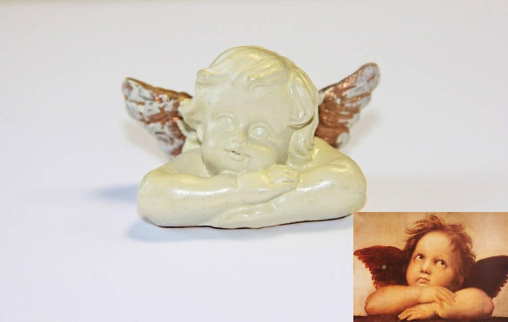 Вот наш исходник - статуэтка ангелочка, привезенная из далекой Австрии