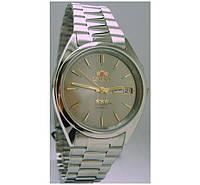 ORIENT EM0400P часы с витрины поцарапана застежка, супер распродажа.