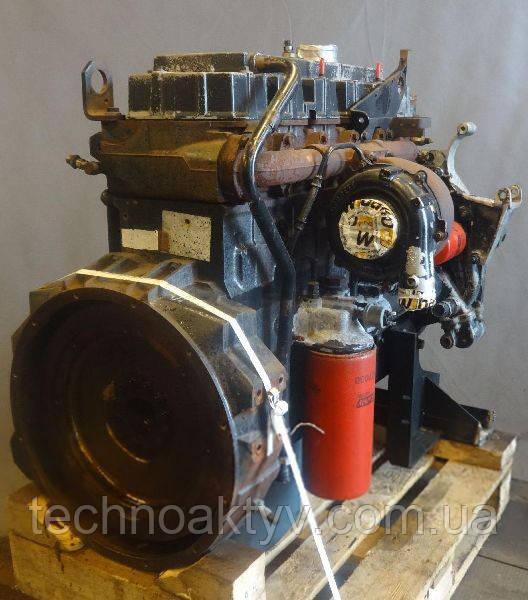 Двигатель     Perkins серии 1300 (1306-E76T, 1306-E87T, 1306-E87TA)