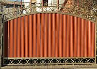 Забор из профнастилом, с коваными элементами