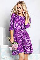 Расклешенное геометрическое платье. Цвет фиолетово-лиловый.