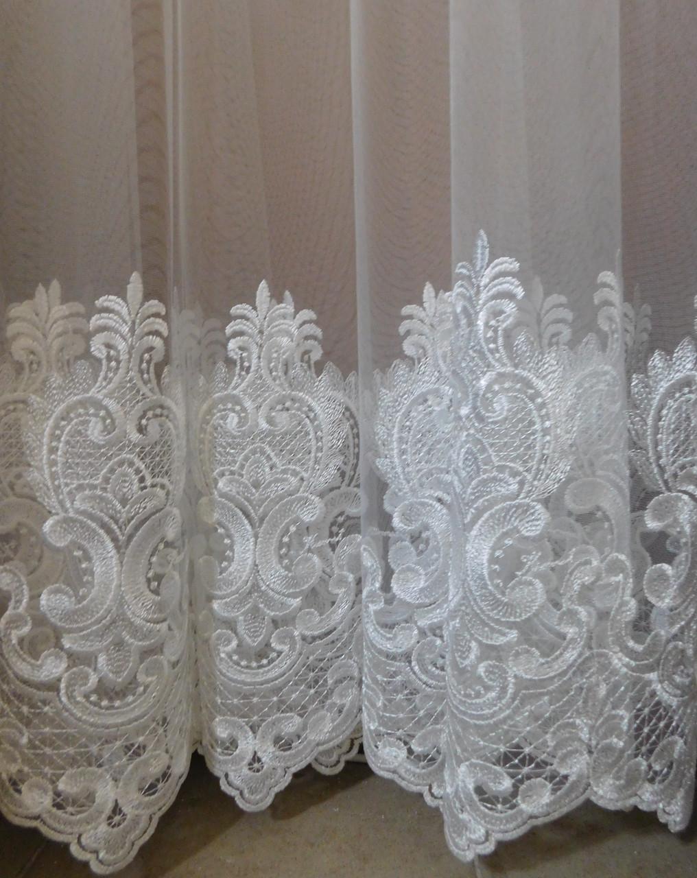 Гардинная ткань с вышивкой по низу