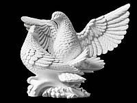 Скульптура голубей из искусственного мрамора №1