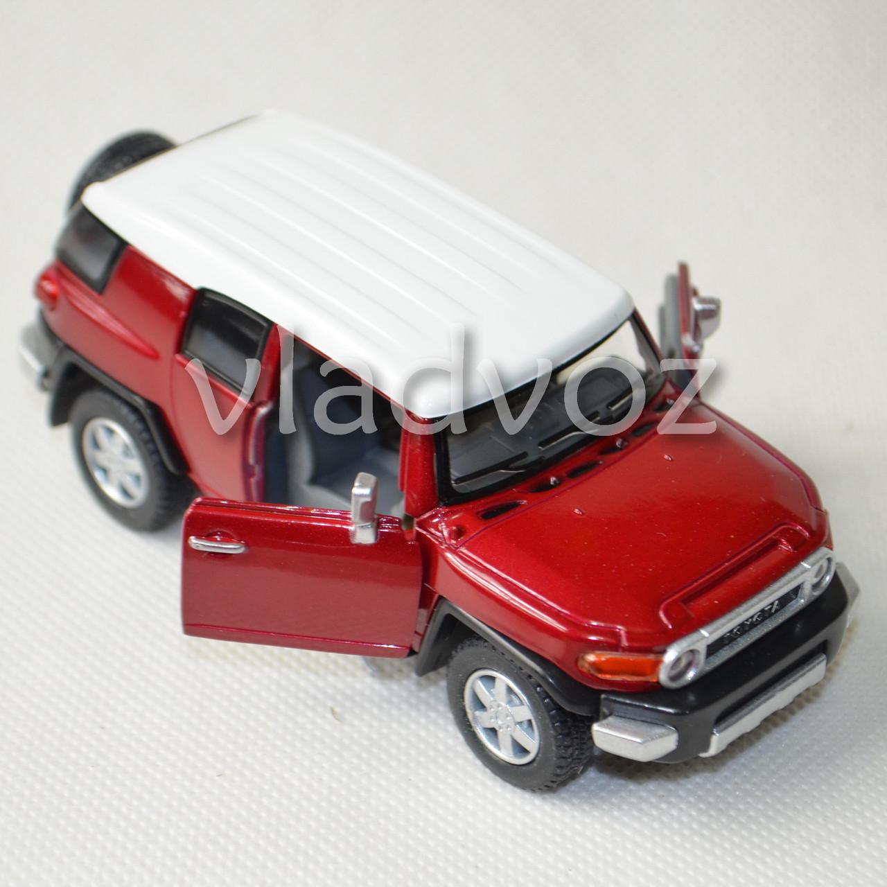 Машинка модель из металла Toyota FJ Cruiser метал 1:32 красного цвета