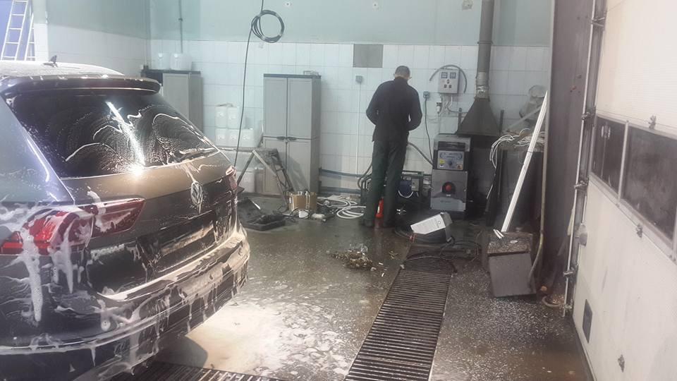 Автосалон и автомойка  на сервисном-центре компании диллера Вольксваген укомплектован новыми аппаратами ПРОФИ 1 и системой дизельного... 1