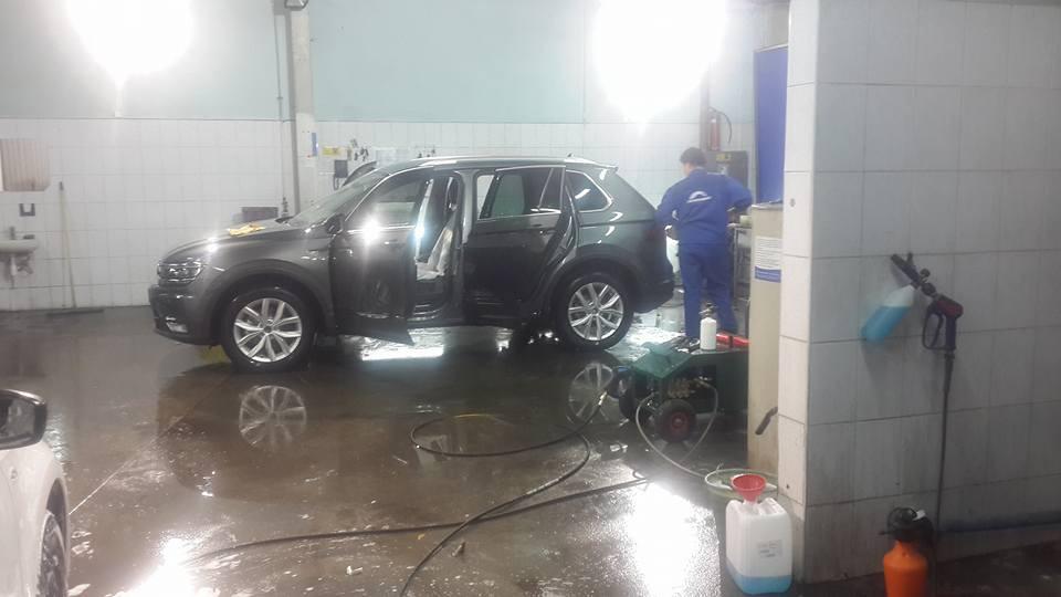 Автосалон и автомойка  на сервисном-центре компании диллера Вольксваген укомплектован новыми аппаратами ПРОФИ 1 и системой дизельного... 5