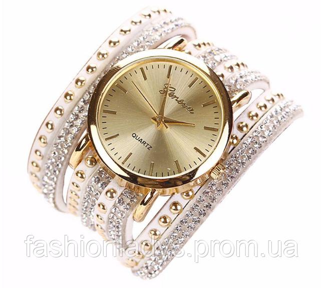 Женские наручные часы с оригинальным ремешком