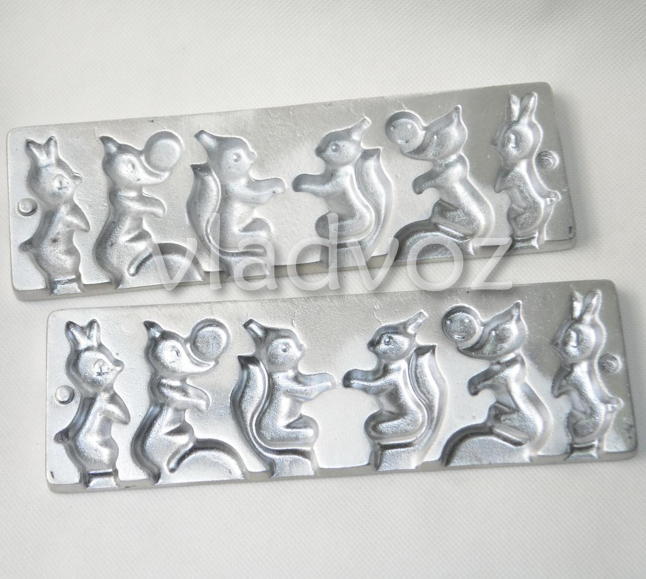 Алюминиевая форма для леденцов на палочке белочка