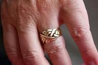 Чтобы золото было тем, что блестит. Уход за золотыми украшениями.