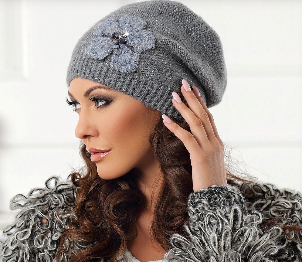 """Модна і стильна шапочка з декором колекції """"Betina"""" Польща"""