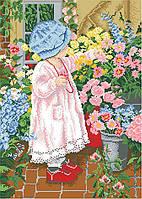 Канва с рисунком Малышка с цветами