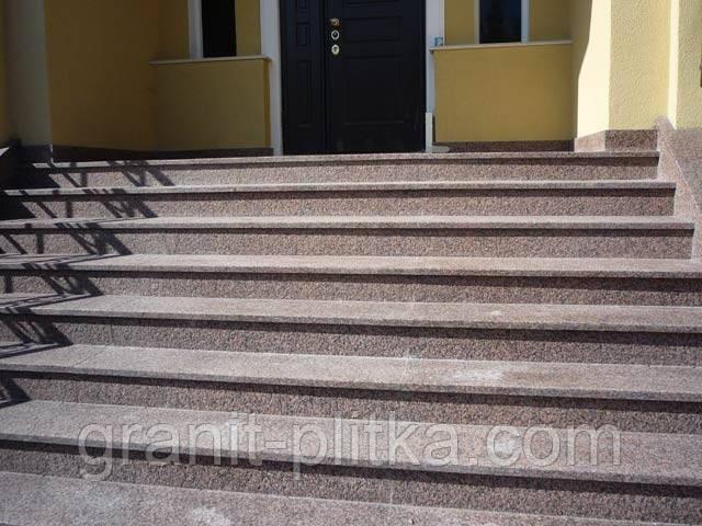 Лестницы из гранитного камня, балясины гранитные, перила