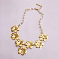 РАСПРОДАЖА! Золотистое ожерелье с цветочками и жемчугом