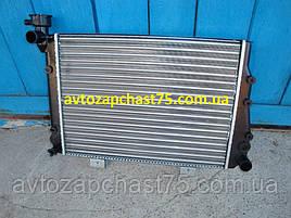 Радиатор  Ваз 2107, Ваз 2104 карбюраторные двигателя  (производитель Дорожная карта, Харьков)