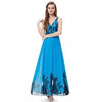 Платье с V-образным вырезом на спине голубое