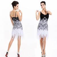 Кружевное платье с юбкой клиньями