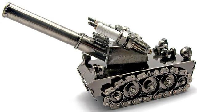 Подарок на 23 февраля техно-арт танк