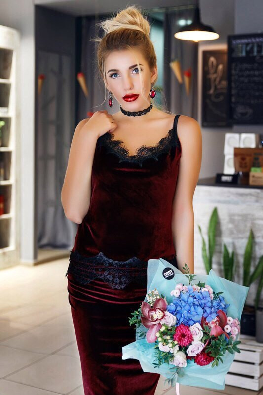 """Нарядный бархатный женский костюм """"Жасмин"""" с кружевом (3 цвета) - Интернет-магазин """"DioModa"""" в Одессе"""