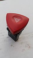 Кнопка аварийной сигнализации Opel Vivaro.