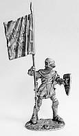 Оловянный солдатик. Французский рыцарь с знаменем, 13 в.