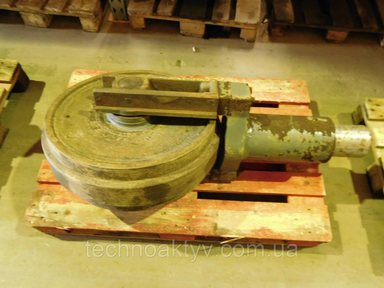 Направляющие (натяжные) колеса - ленивец LIEBHERR R934, R941, R942, R944, R945, R952, R954
