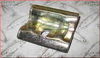 Кронштейн крепления аккумулятора (металлический) Chery Amulet [1.6,-2010г.] A11-3703011 Китай [оригинал]