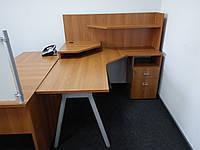 Стол компьютерный с приставной тумбой и надстройкой