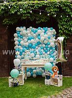 Фотозона для детского праздника в голубых оттенках