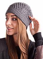 Универсальная зимняя шапка серого цвета