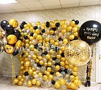 Черно-золотая фотозона из воздушных шаров