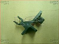 Фиксатор упора / стойки капота (нижний) Emgrand EC7 [1.8] 1068002010 Китай [аftermarket]