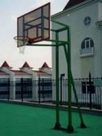 Баскетбольная стойка на трех опорах, уличная, стационарная.