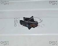 Фиксатор упора / стойки капота Chery M12 [HB] M11-8402221 Китай [аftermarket]