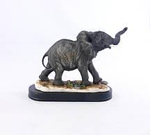 Статуэтка милый слоненок на деревянной подствке 39*11*22,5 см Гранд Презент SM00312-В